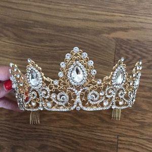 Accessories - Wedding/ evening crown for ladies
